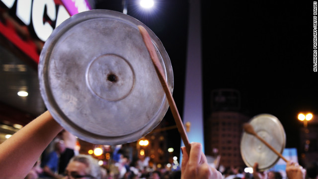 "A ""cacerolazo"" takes place against the Fernandez government in Buenos Aires Thursday."
