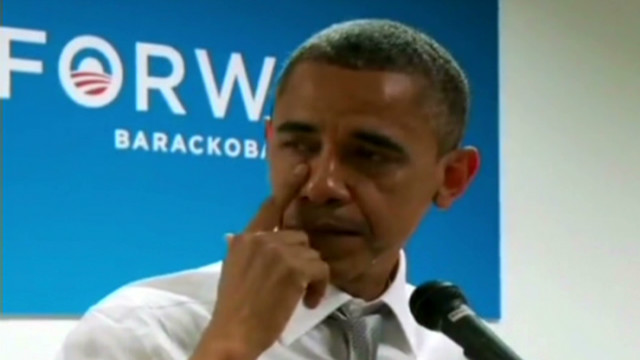 Obama cries while thanking staff