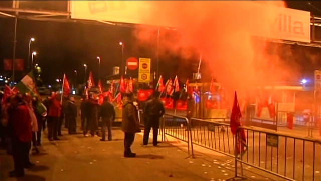 Strikers stand off with police in Madrid