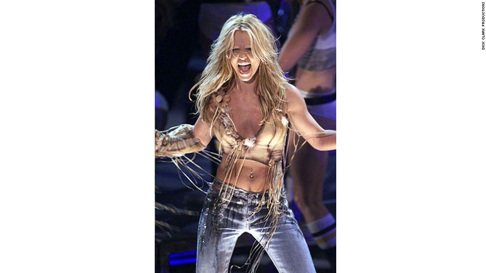 "In 2001, Britney Spears performed her hit ""Stronger."""