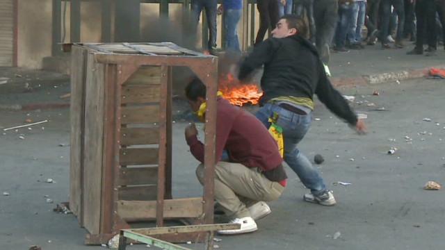 Pro-Gaza demonstrators clash with troops