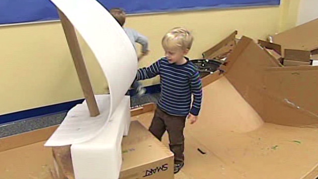 wcmh teacher replaces toys with boxes_00005027