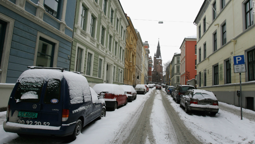 With parking fees at $612 a month in Oslo, you are tempted to give up the luxury of a car and use the buses instead.