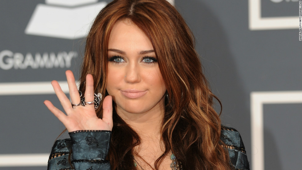 At the Grammy Awards in 2010, Cyrus showed off a more adult look and a new hair color.