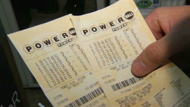 Powerball lines form in Wisconsin