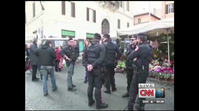 Thugs hurt British football fans in Rome