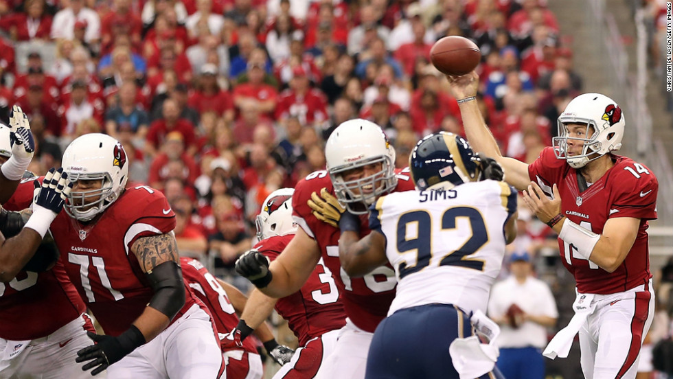 Quarterback Ryan Lindley of the Cardinals throws a pass against the Rams on Sunday.