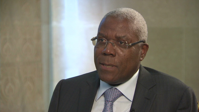 Angola's oil wealth 'stolen'?