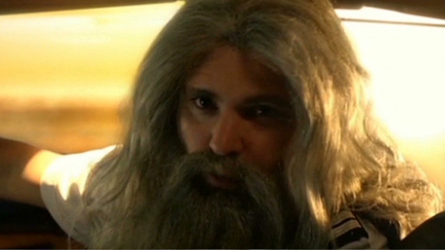 See new Hobbit airline safety video