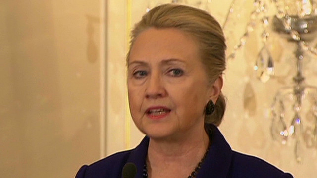 Clinton: Condoms key in AIDS fight
