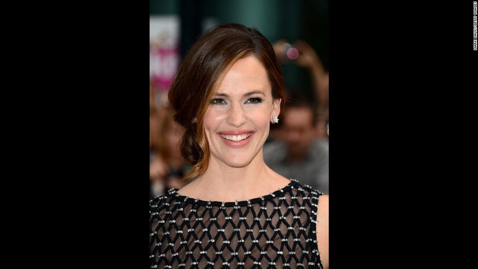 "Former ""Alias"" star Jennifer Garner is still kicking butt at 40."