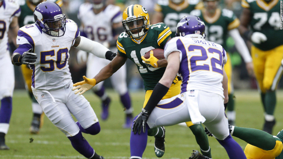 Randall Cobb of the Green Bay Packers runs the ball against the Minnesota Vikings on Sunday.