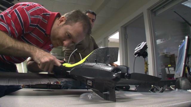 Fiscal cliff worries defense contractors