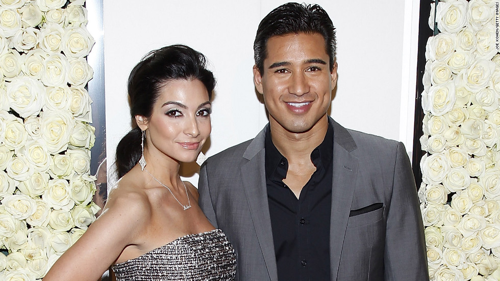 "Mario Lopez surprised Courtney Mazza in 2012 with a New Year's proposal while on vacation <a href=""http://www.extratv.com/2012/01/04/mario-lopez-begins-the-new-year-with-a-surprise-proposal-to-courtney-mazza/"" target=""_blank"">with friends and family in Mexico. </a>They are now the parents of two."