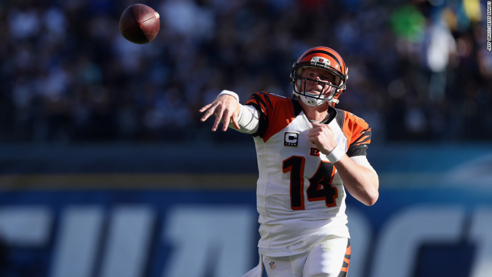 Quarterback Andy Dalton of the Cincinnati Bengals throws a pass on Sunday.
