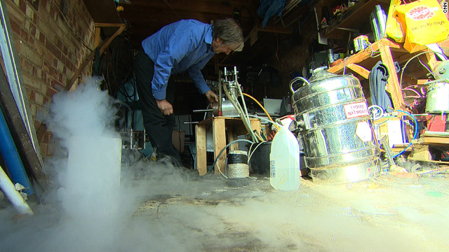 'Nutty Professor' stores liquid air