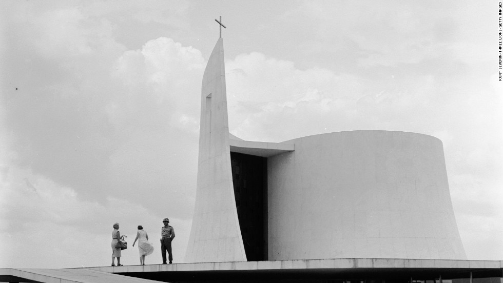 Circa 1955: A modern church in the grounds of the presidential palace in Brasilia designed by Oscar Niemeyer. The church is connected to the palace by an underground hallway.