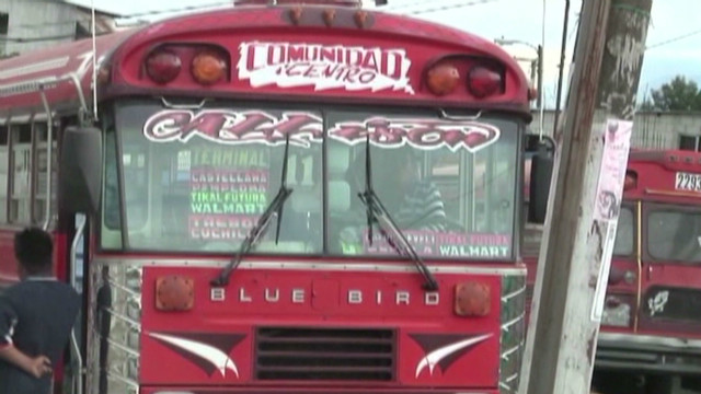 Bus driver: Gangs demand Christmas bonus