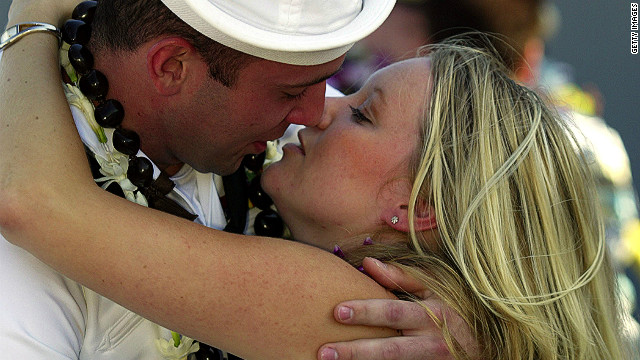 It can be a lonely life for long-time sailing enthusiasts. That's why many are turning to specialty nautical-themed dating sites