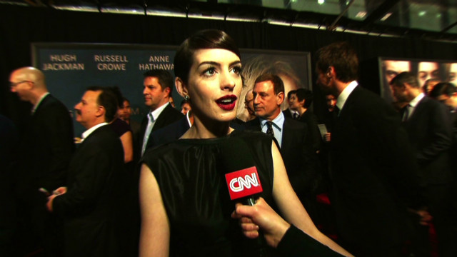 Anne Hathaway's 'Les Mis' singing secret