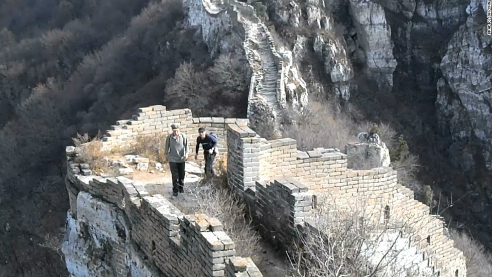 The middle section of Jiankou is built into a jagged rock wall.  It is passable, but there is a risk of falling off the wall.  Olson recommends hiring a local guide in Xizhazi village.