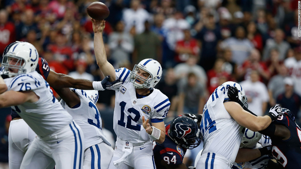 Andrew Luck of the Colts throws a pass against the Texans on Sunday.