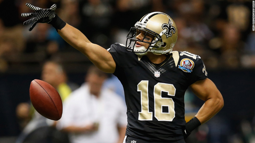 Lance Moore of the Saints reacts after making a first down against the Buccaneers on Sunday.