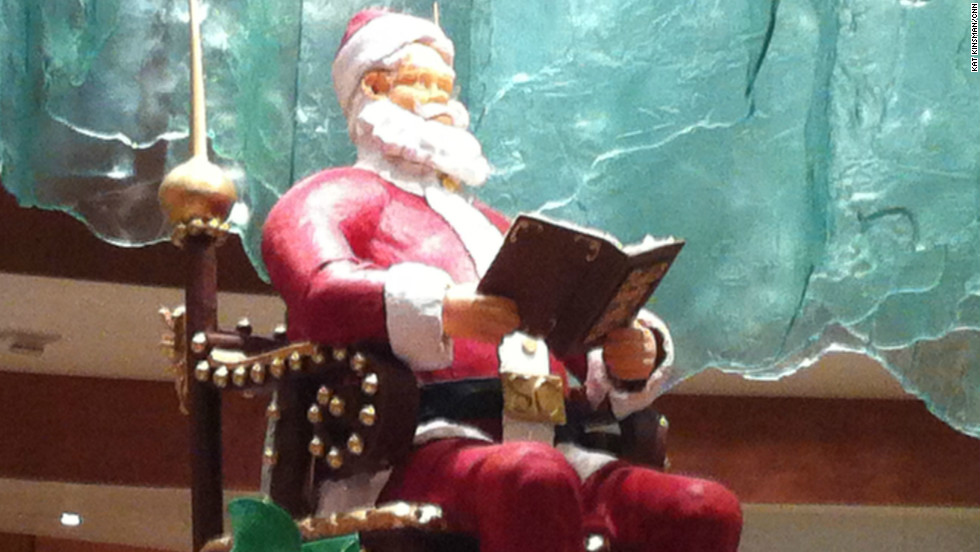 Massive chocolate Santa at Bellagio's Jean Philippe Patisserie