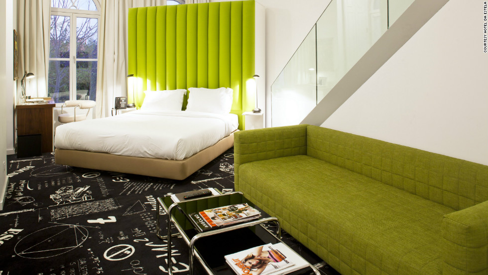 Hotel da Estrela is located in a central neighborhood with mom-and-pop shops, relaxing parks and 18th-century churches.