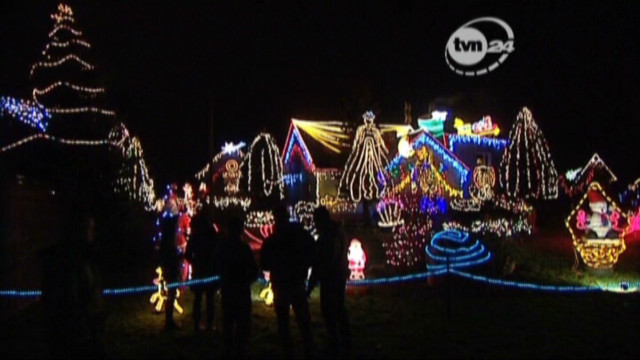 Up to 58,000 Christmas lights on house