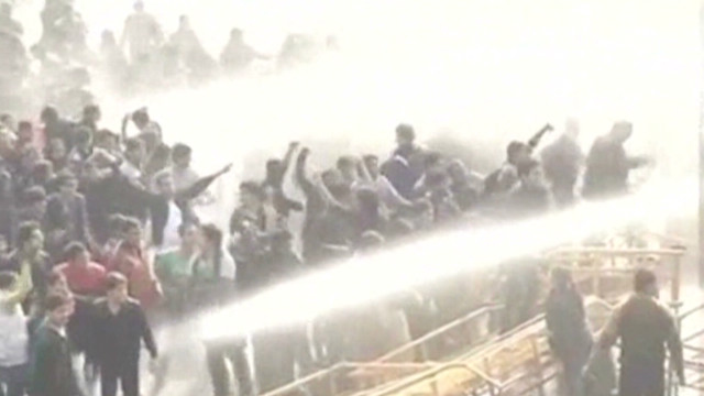Rape protesters hit with water cannons