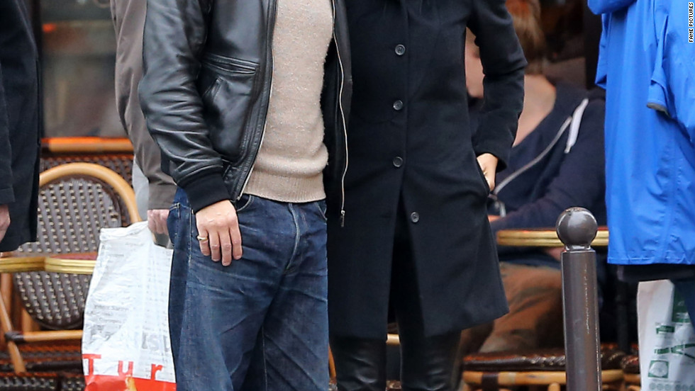 Halle Berry and Olivier Martinez take a stroll in Paris, France.