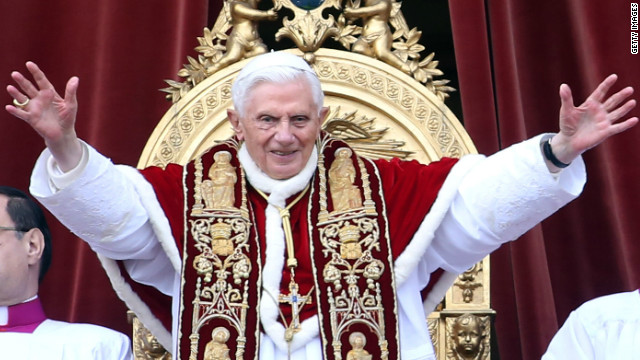 Pope Benedict XVI delivers his Christmas Day message from the central balcony of St Peter's Basilica on December 25, 2012 in Vatican City, Vatican.