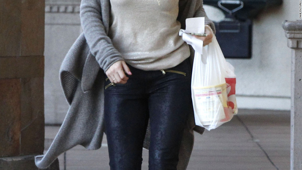 Elsa Pataky runs errands in Santa Monica.