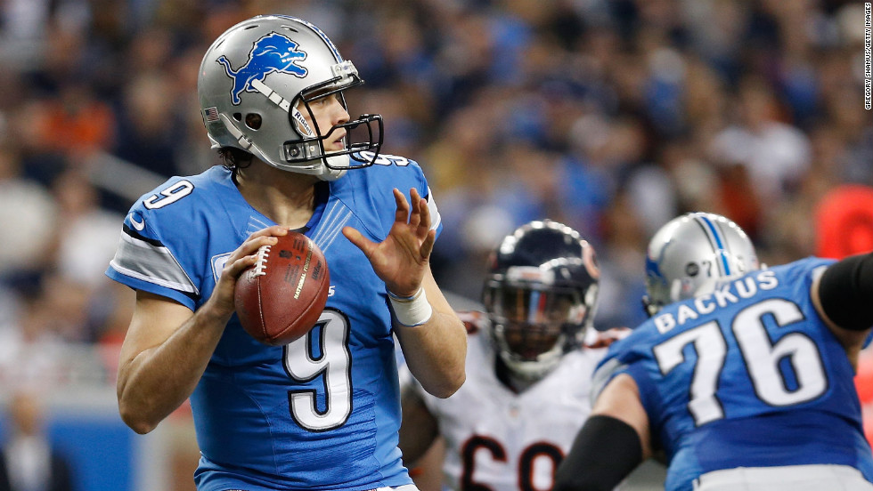 Matthew Stafford of the Detroit Lions looks to throw a second quarter pass while playing the Chicago Bears on Sunday.