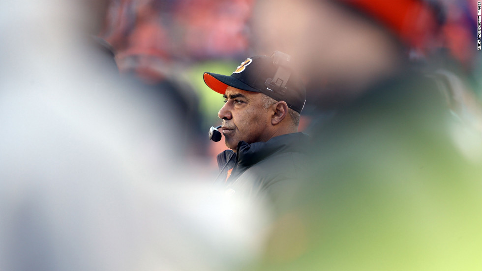 Marvin Lewis, the head coach of the Cincinnati Bengals, watches the action against the Baltimore Ravens on Sunday.