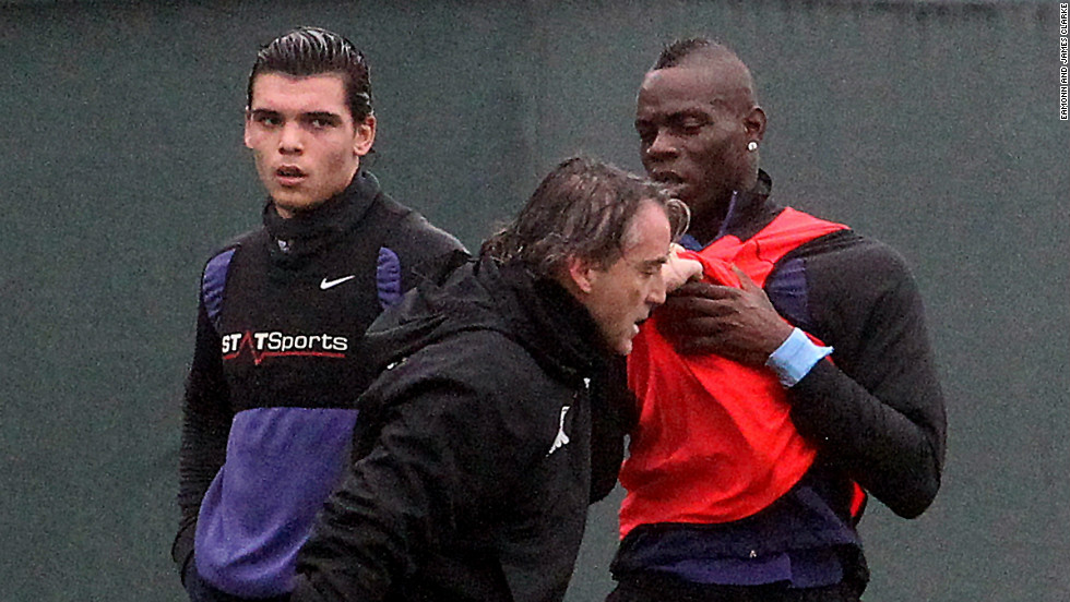 balotelli bust up 10
