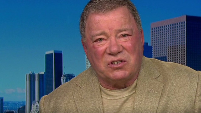 Shatner: Kirk would beat Picard