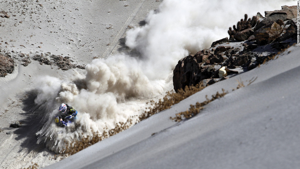 France's Olivier Pain sends a plume of sand in the air during Stage 5 on Wednesday, January 9.