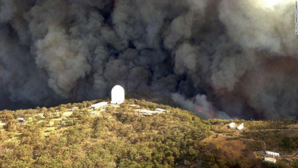 The Wambelong Fire burns near the Siding Spring Observatory near Coonabarabran, Australia, on Monday, January 14.