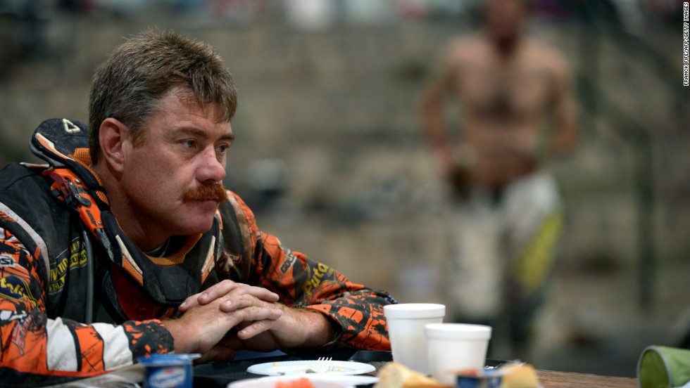 A competitor eats breakfast in Cachi, Argentina, on Friday, January 11.