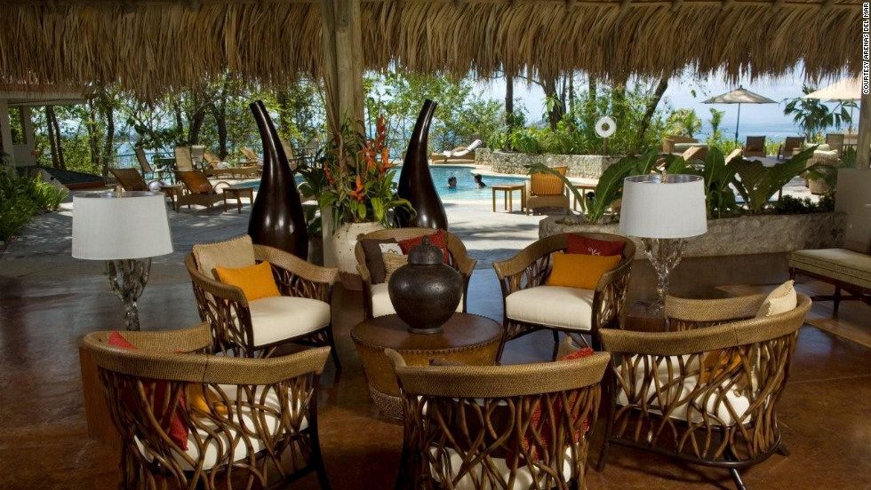 Within walking distance of Manuel Antonio National Park, the gorgeously landscaped Arenas Del Mar resort is an attraction in its own right.
