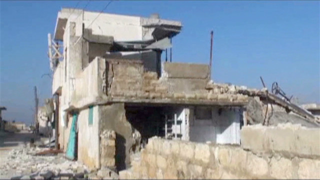 Syrian city caught in crossfire