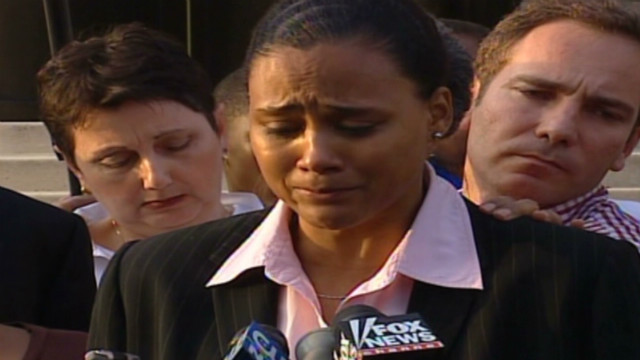 2007: Marion Jones apologizes for doping