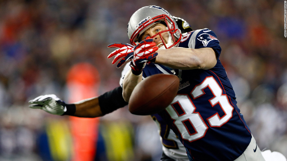 Wes Welker of the New England Patriots misses a catch in the first half.