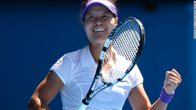 Tennis: Li Na stuns Sharapova to reach final