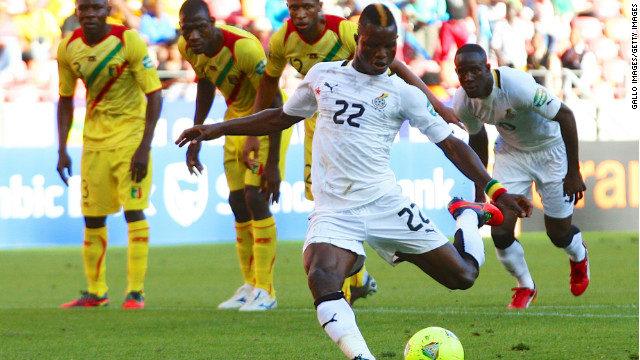 Mubarak Wakaso fires home a 38th minute penalty to give Ghana a 1-0 win over Mali in Port Elizabeth.
