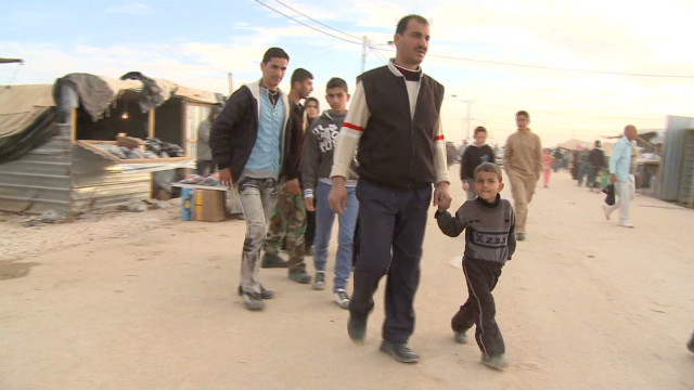 Thousands of Syrians stream into Jordan in days