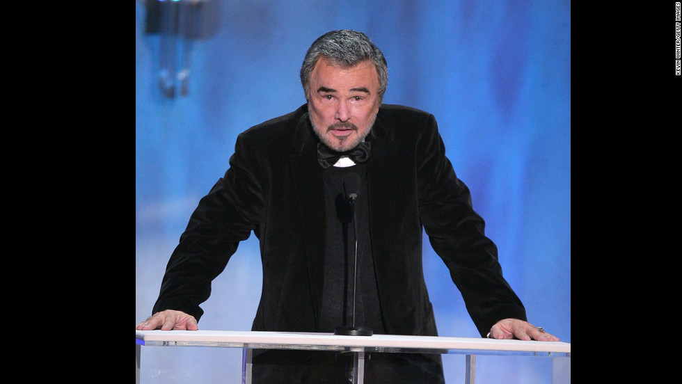 Reynolds announces the 2007 Actors Guild Life Achievement Award for Charles Durning at the 14th annual Screen Actors Guild awards on January 27, 2008, in Los Angeles, California.