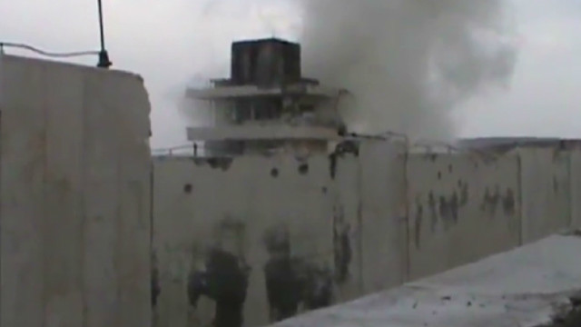 Rebel forces attack a Syrian prison